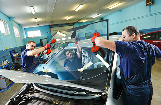 Auto Glass Replacement in Mississauga